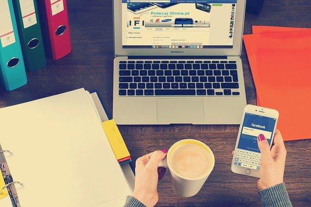 stratégie éditoriale sur les réseaux sociaux